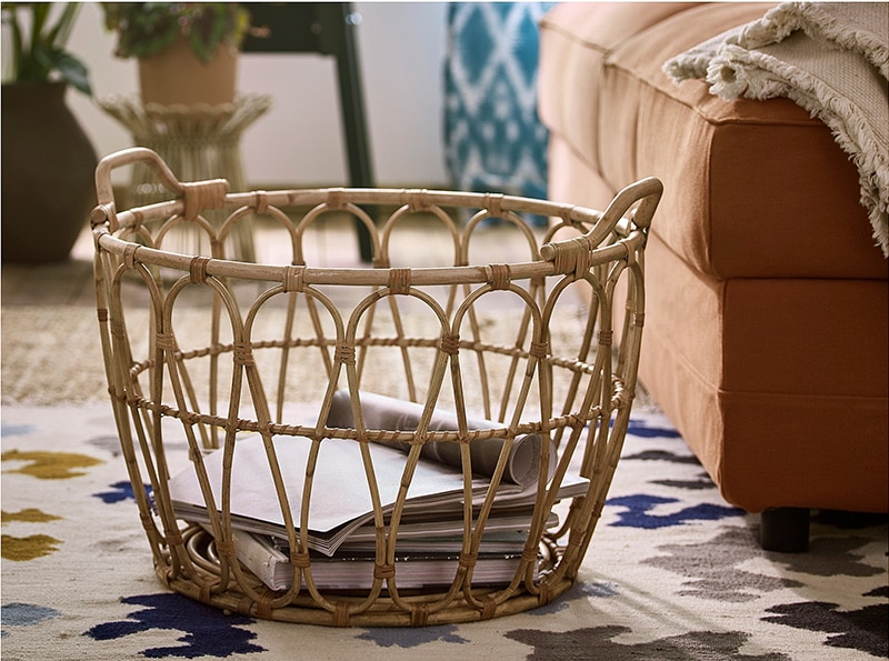 Storage basket Hand-woven clothes basket with holder