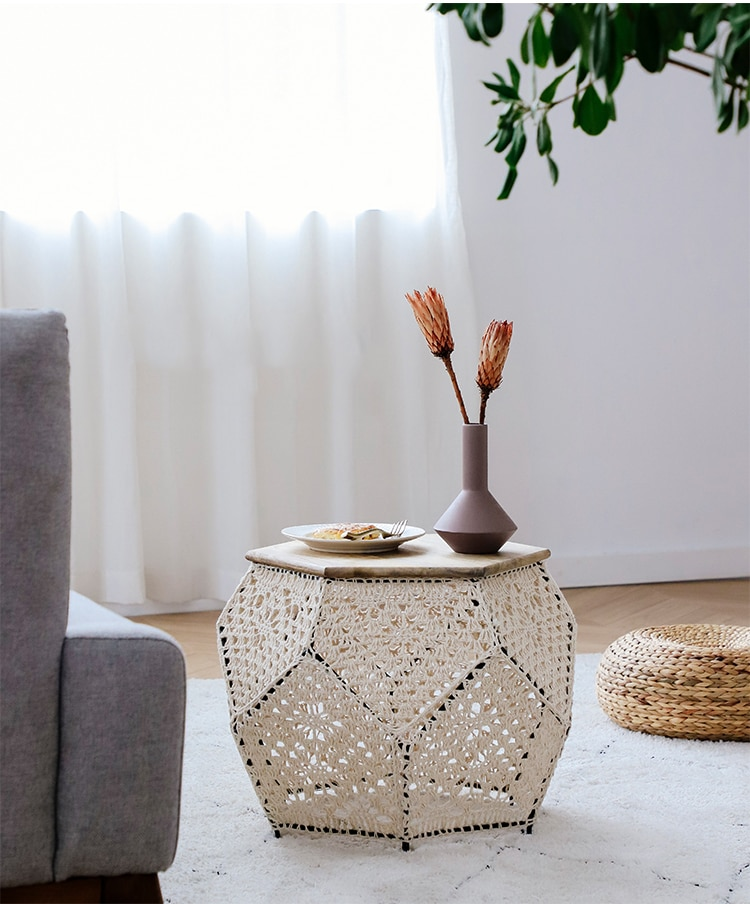 Coffee table Hand-woven lace living room table